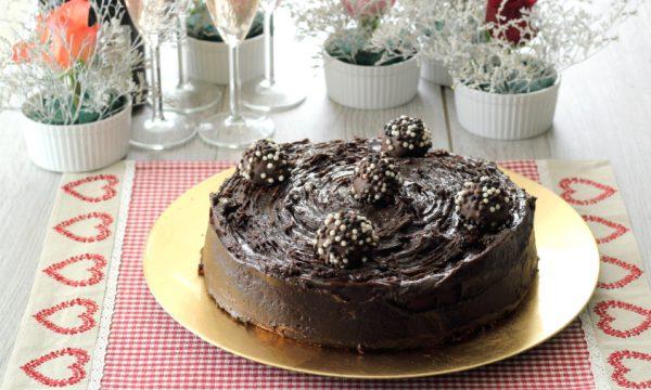 Torta soffice al cacao con ganache alla nutella – ricetta facile e golosa