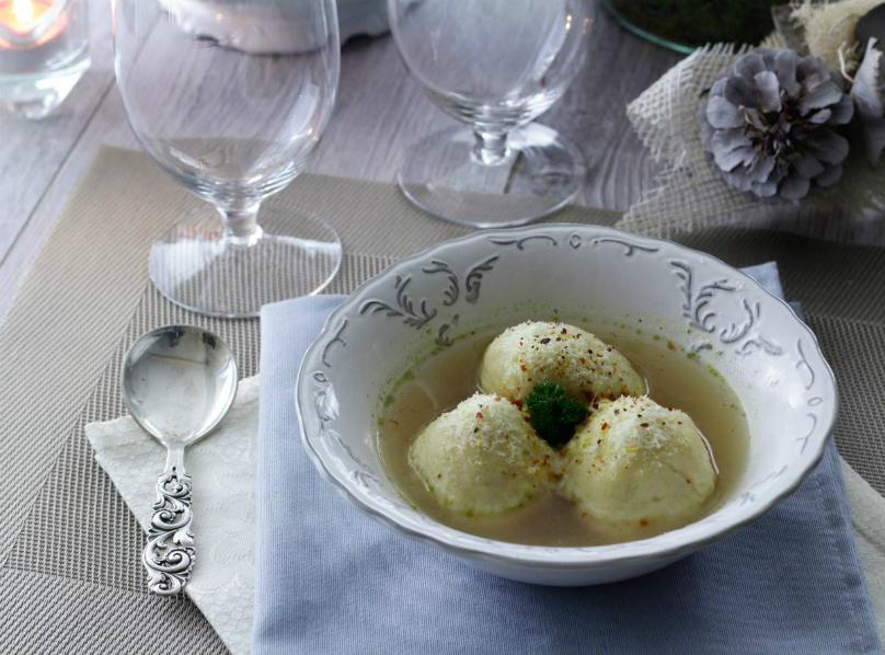 Gnocco di polenta in brodo - ricetta semplice e veloce
