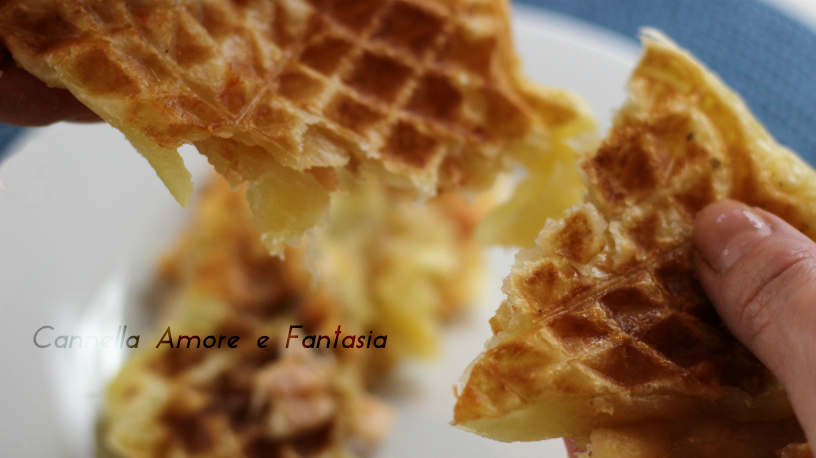 Quick & Easy waffel pizza in less 5 min – veloce e facile la pizza waffel in meno di 5 minuti – video ricetta