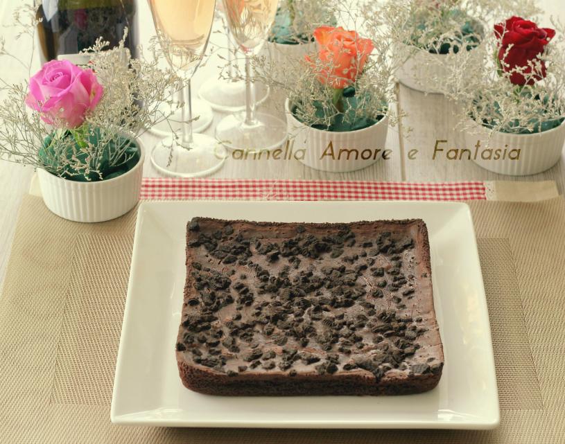 Torta brownies con biscotti oreo - ricetta facile e cioccolattosa