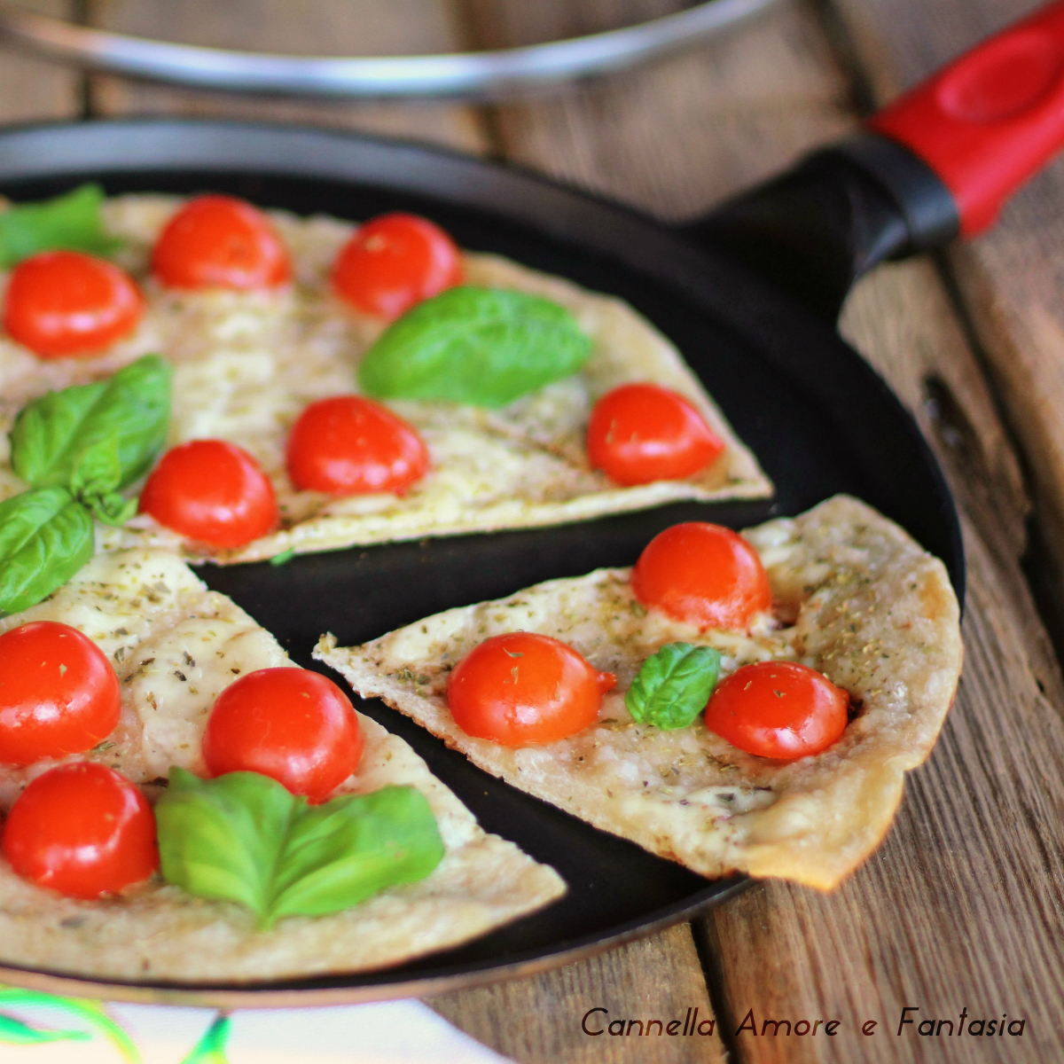 Pizza in padella con farina di farro