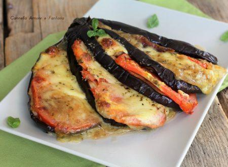 Melanzane con pomodoro e mozzarella