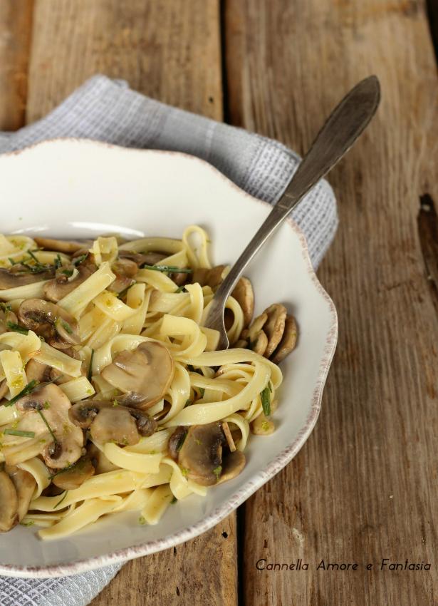 Tagliatelle ai funghi - ricetta senza panna - ricetta vegan