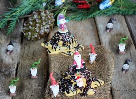 Alberi di Natale di pasta frolla e cioccolato
