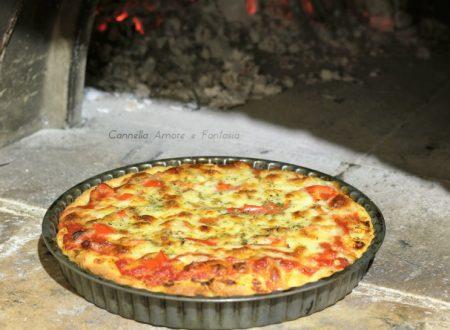 Pizza rustica siciliana cotta a legna