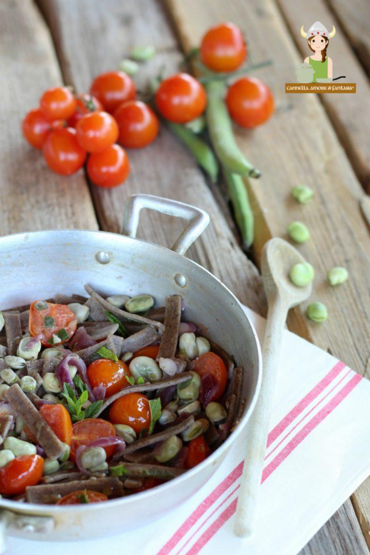 Pizzoccheri con fave fresche e pomodorini