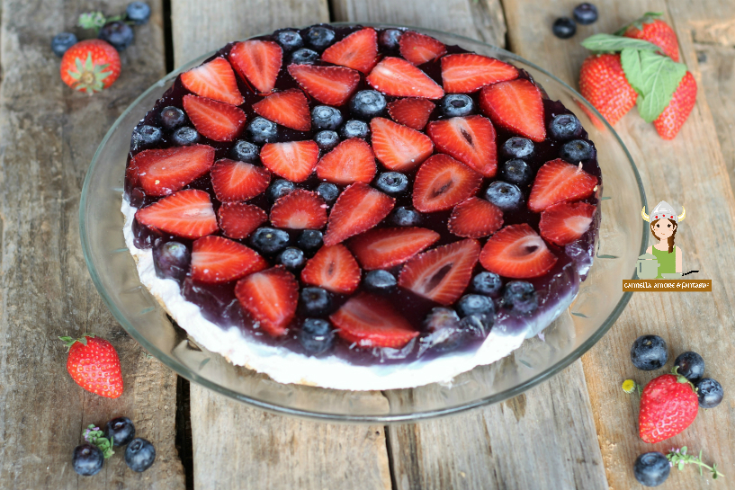 Cheesecake fragole e mirtilli