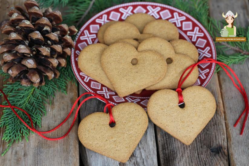 Biscotti natalizi alla cannella e zenzero