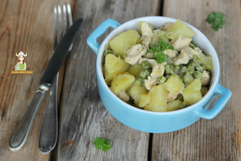 Straccetti di pollo con piselli e patate