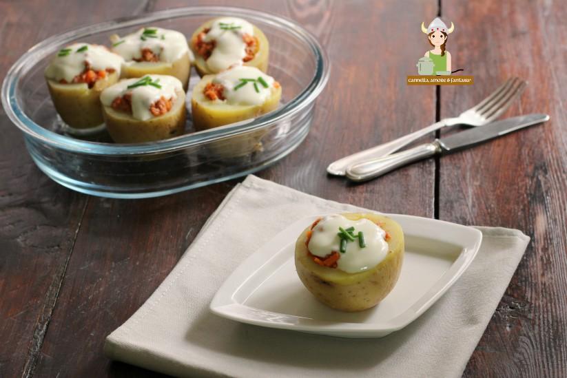 Patate ripiene al forno con ragù e besciamella