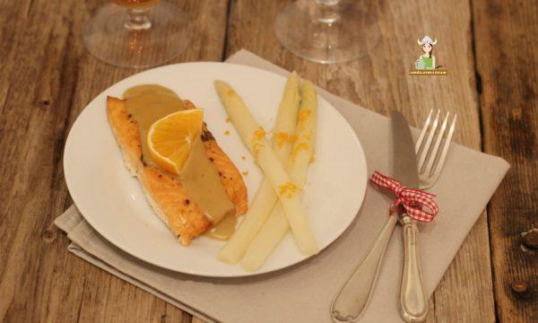 Salmone al forno con salsa agli agrumi