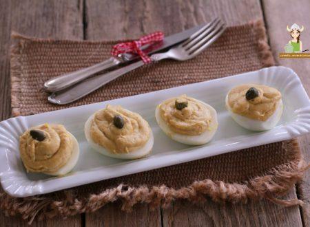 Uova ripiene con tonno maionese e capperi