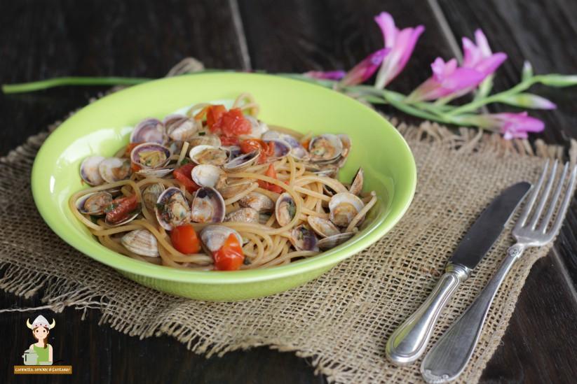 Spaghetti alle vongole con ciliegino