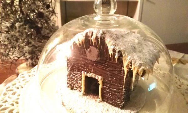 Casetta natalizia di cioccolato: ecco come preparare questo delizioso dolce, facilissimo, basta un solo ingrediente, da conservare per Natale