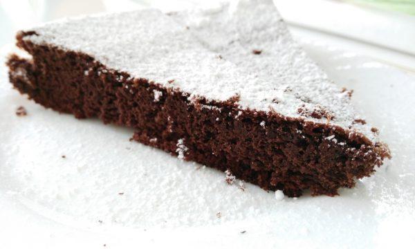 torta al cioccolato senza glutine e lattosio