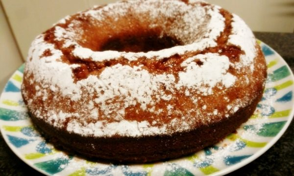 Ciambella integrale all'arancia, la soffice e golosa torta invernale