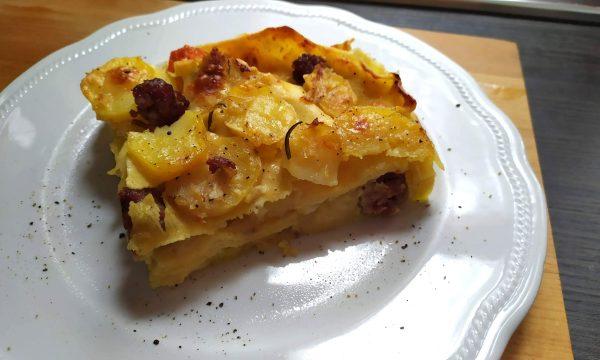 lasagne salsiccia e patate, senza besciamella c