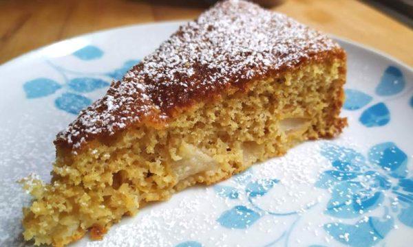 torta semintegrale di pere, soffice e light