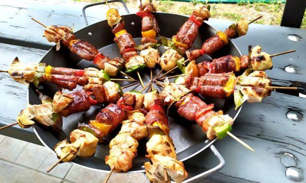 Spiedini misti di pollo e verdure, alla griglia
