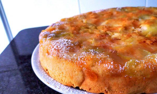 Torta di mele rovesciata caramellata c