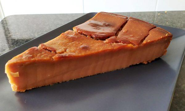 Castagnaccio, il dolce autunnale per eccellenza c