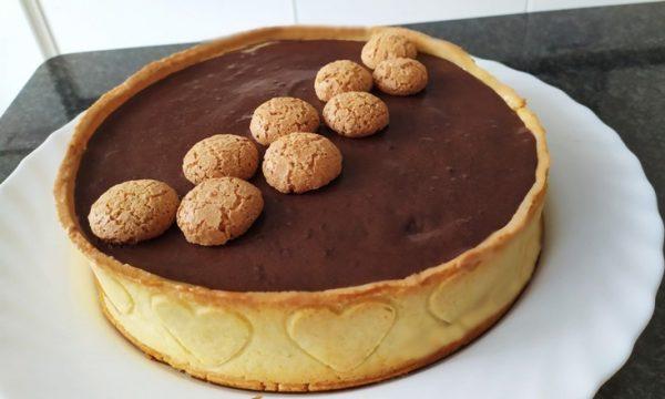 Crostata moderna al cioccolato e amaretti c