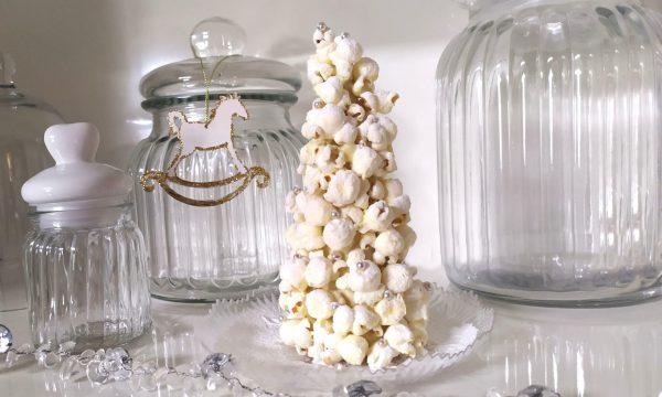 Alberello di popcorn: un elegante segnaposto di Natale c