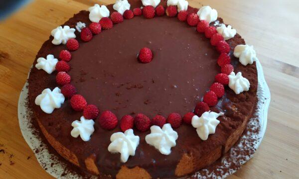 Crostata di Mousse al cioccolato e fragoline