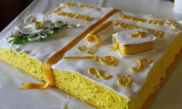 torta libro santa cresima