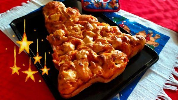 Torta di pizza natalizia