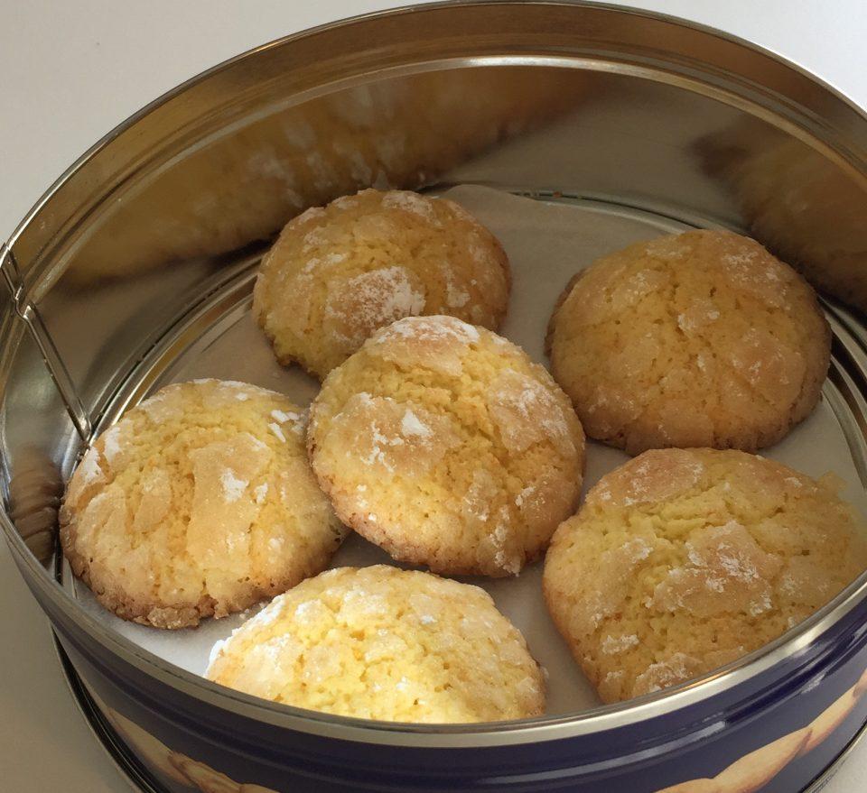 Biscotti all'arancia, friabili dolcetti per il tè delle cinque