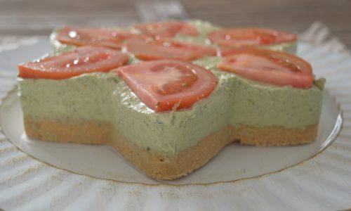 Cheesecake salata al pesto e pomodorini