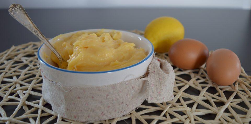 Crema pasticcera, ideale per farcire bignè, èclaire, torte, come dolce al cucchiaio