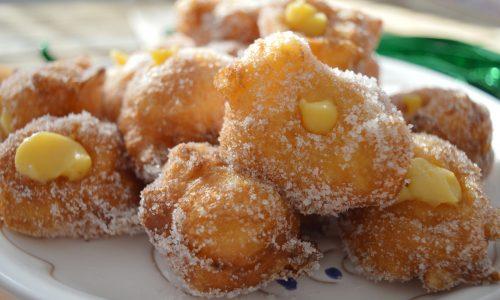Frittelle ripiene di crema (siringate)