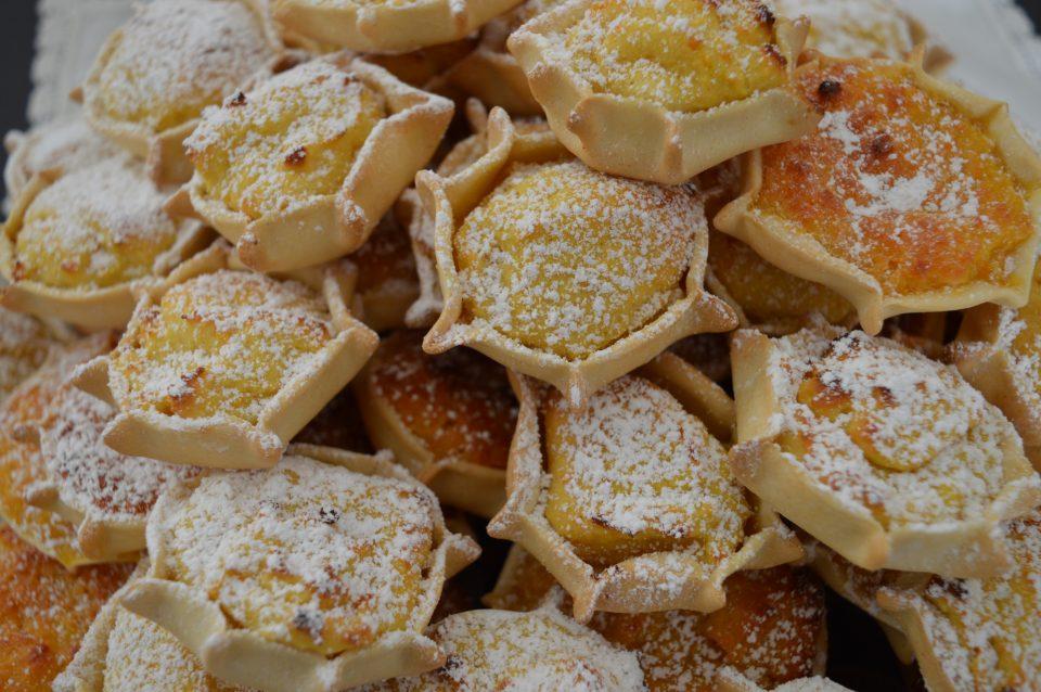Pardulas di ricotta, dolce tipico sardo delle feste pasquali
