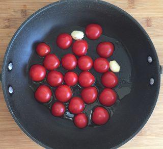 Strascinati pesto, pomodorini e burrata