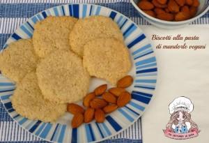 Biscotti alla pasta di mandorle vegani