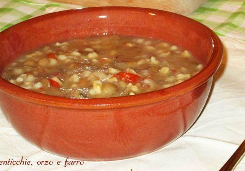 Zuppa di lenticchie orzo e farro