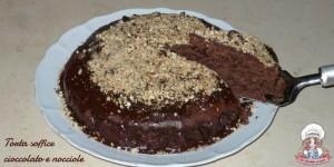 Torta soffice cioccolato e nocciole