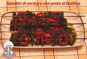 Spiedini di verdure con pesto al basilico