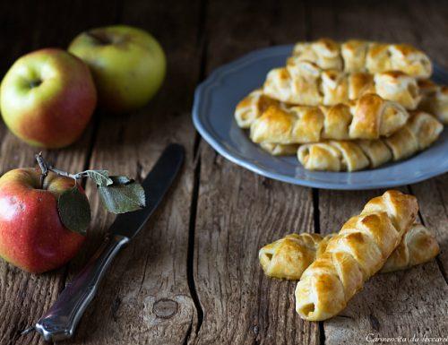 Treccine di pasta sfoglia alle mele