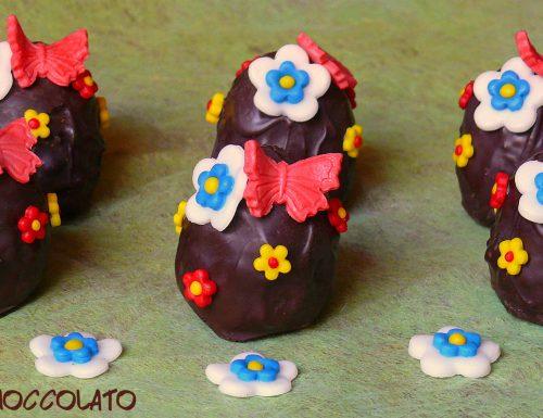 Uova di cioccolato decorate con pdz