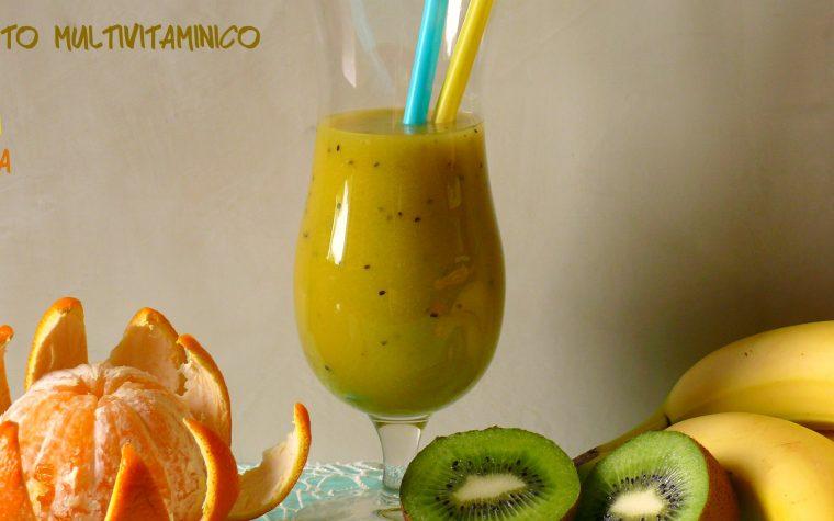 Frullato multivitaminico kiwi banana arancia