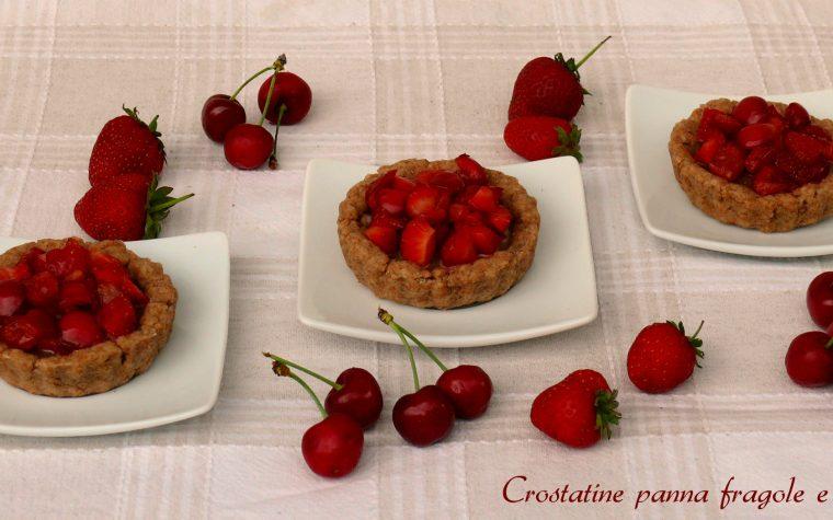 Crostatine panna fragole e ciliegie