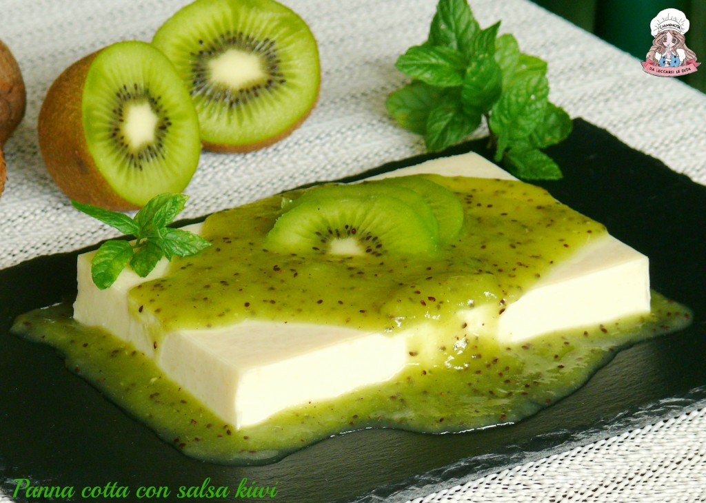 Panna cotta con salsa kiwi