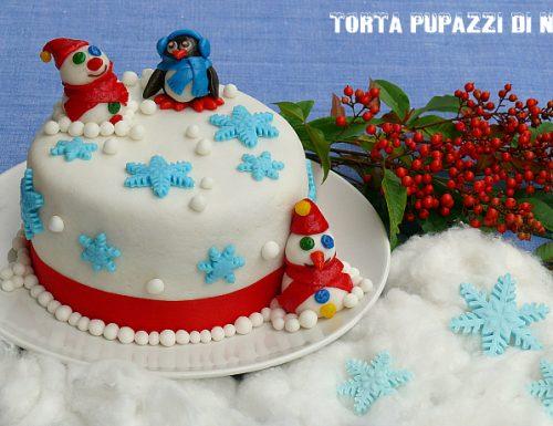 Torta pupazzi di neve in pasta di zucchero