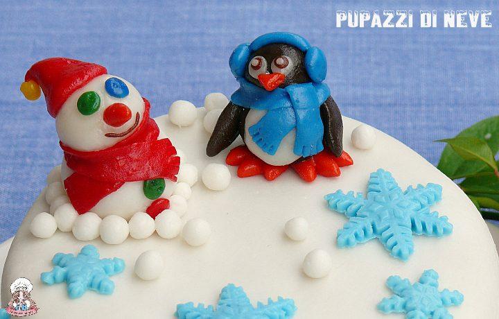 Pupazzi di neve regali in pasta di zucchero