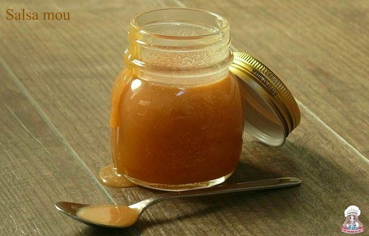 Salsa mou caramello dolce spalmabile fatto in casa