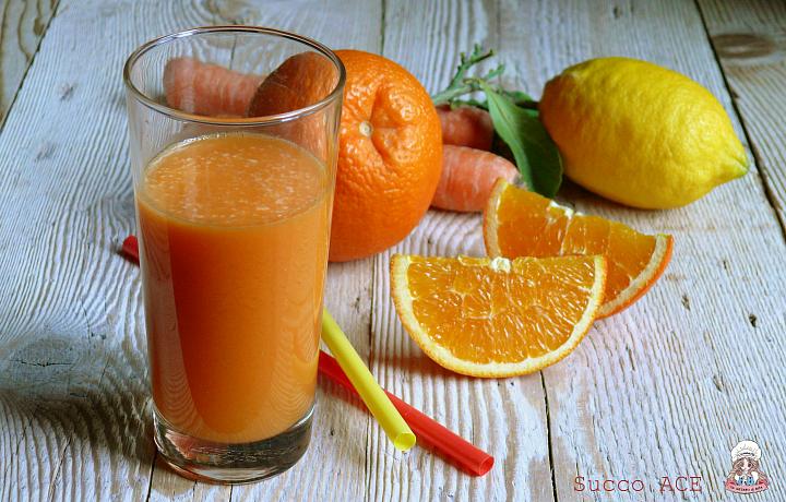 Succo ACE arancia carota e limone come farlo in casa