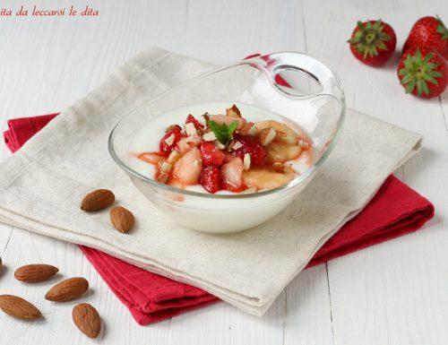Macedonia di frutta e yogurt